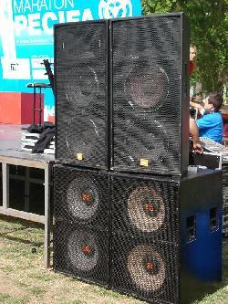 Sonido para eventos JBL Alquiler de escenarios